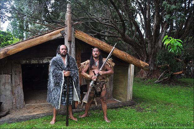 Maoríes interpretando a sus antepasados, Waitangi