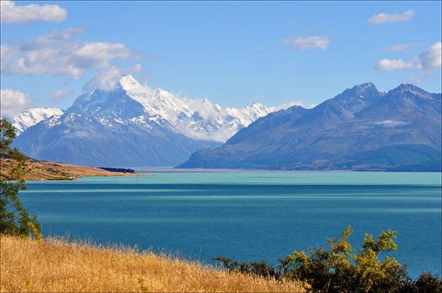 Lago Tekapo con el Mt. Cook al fondo