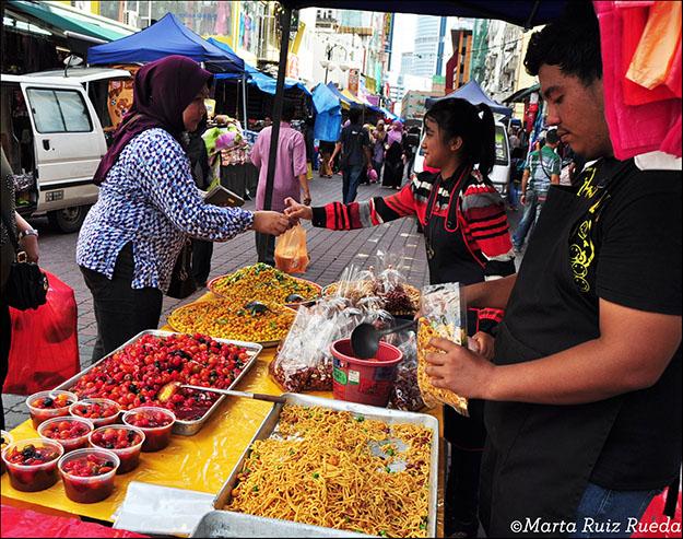 Puesto de comida en la calle