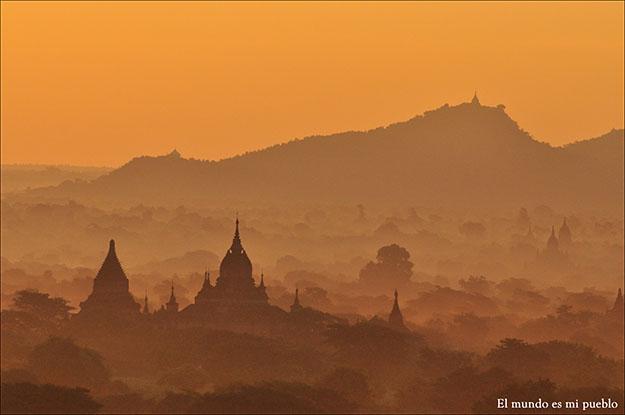 Amanecer en Bagan, Myanmar